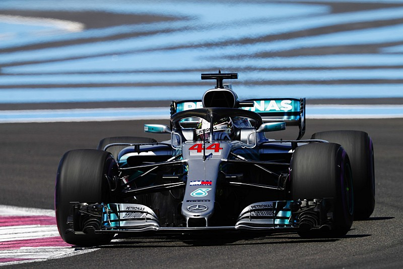 Hamilton snelste in eerste training Frankrijk, Verstappen zevende, crash voor Ericsson