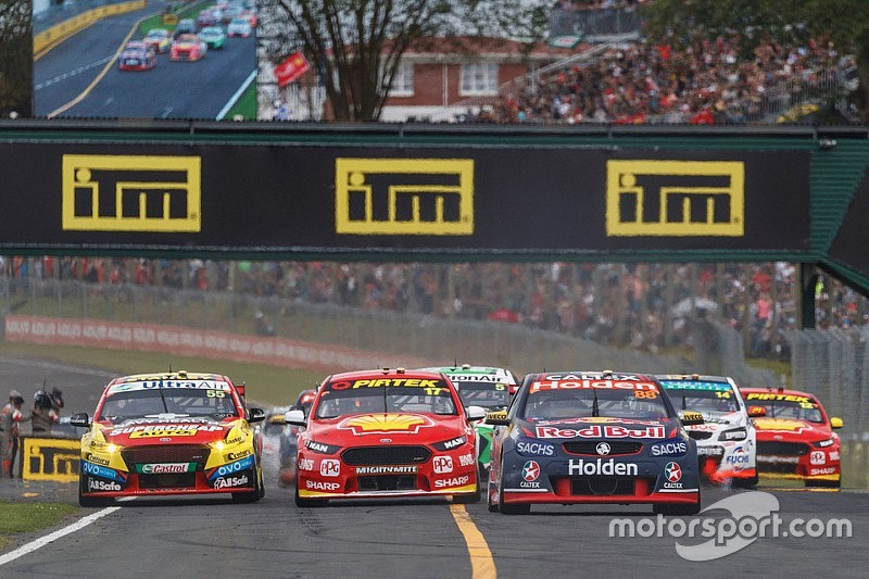 Drivers cleared by stewards after awkward teammates clash