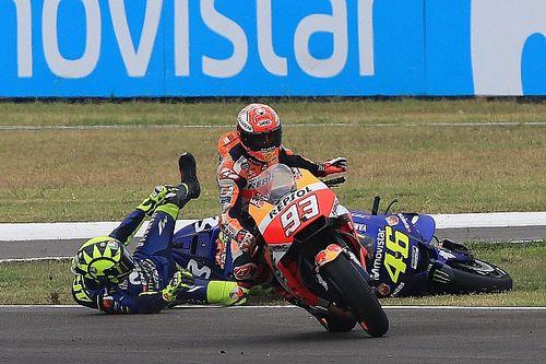 Fotogallery: la sequenza del contatto Marquez-Rossi in Argentina