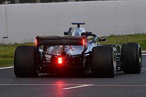 Los autos de F1 tendrán las luces Led de lluvia en el ala trasera en 2019