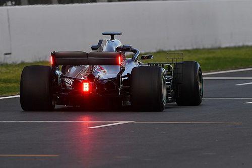 GALERIA: Mercedes testa luzes de chuva na asa traseira