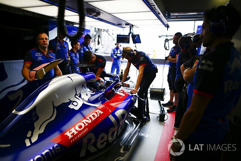 "Honda being ""careful"" with F1 engine updates"