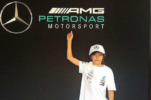 A csapatfőnöknek akarta ajándékozni első kupáját a Mercedes ifjú gokartosa