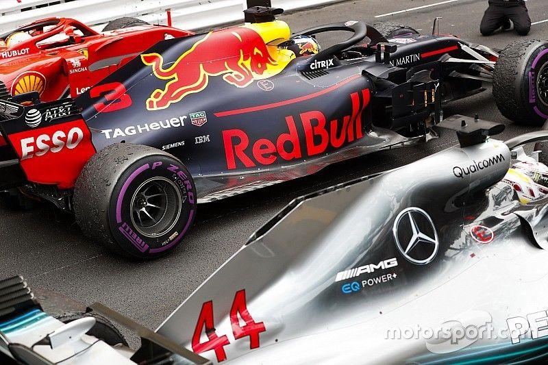 Pneus : Mercedes prudent pour Singapour, Ferrari agressif