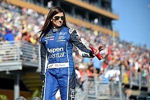 Danica Patrick termina su estancia con Stewart-Haas Racing con un accidente