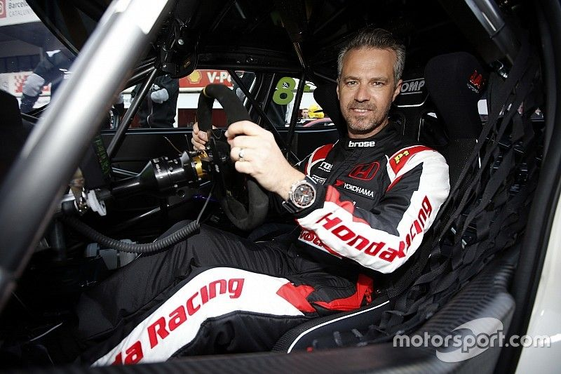 Monteiro maakt comeback tijdens Japanse WTCR-ronde