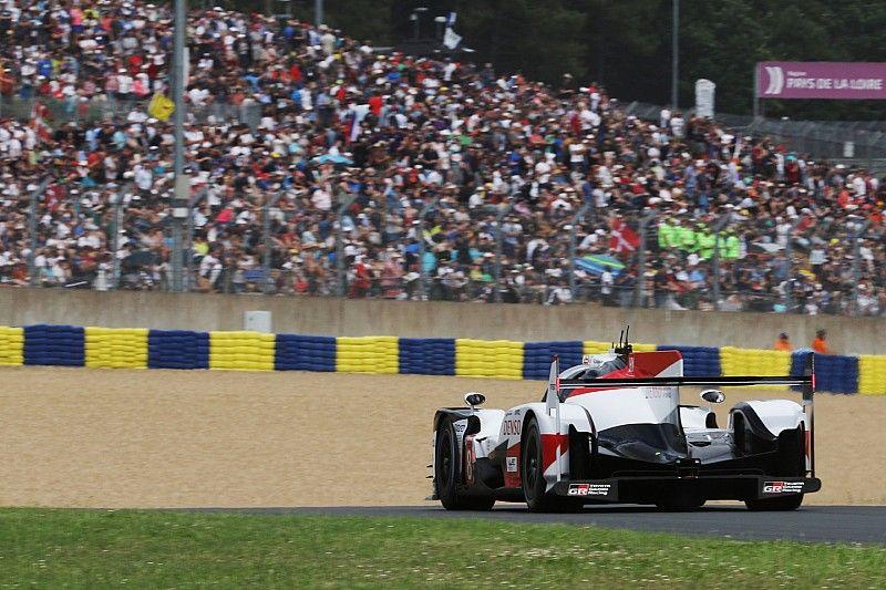 Le Mans 24 Saat - 17. Saat: Her iki Toyota da ceza aldı, #8 Toyota lider