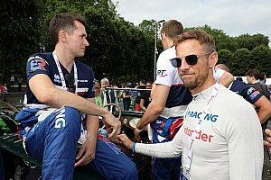 A Mercedes DTM-es csapata Button bevetésén gondolkozik