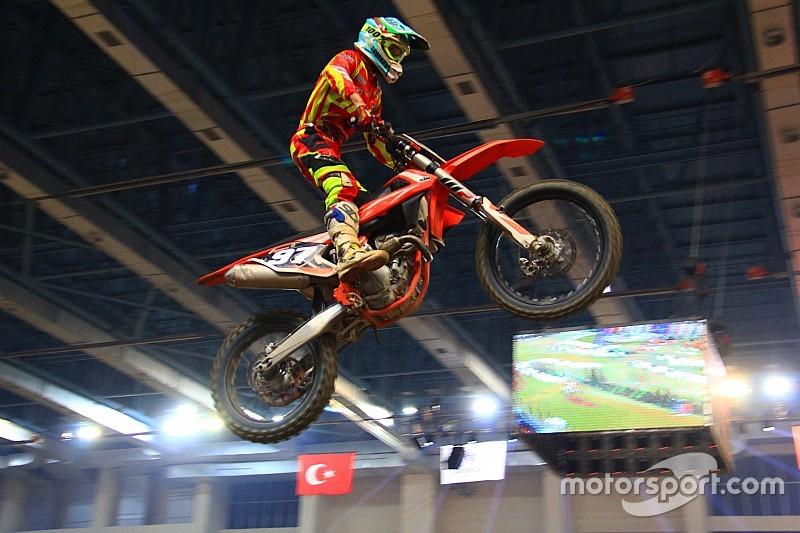 Ivanov, İstanbul Supercross'ta yıldızlaştı