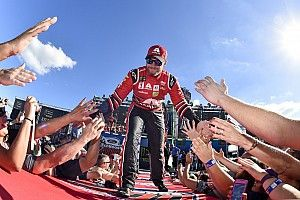 Top Stories of 2017, #4: Dale Jr. leads big-name exodus from Cup