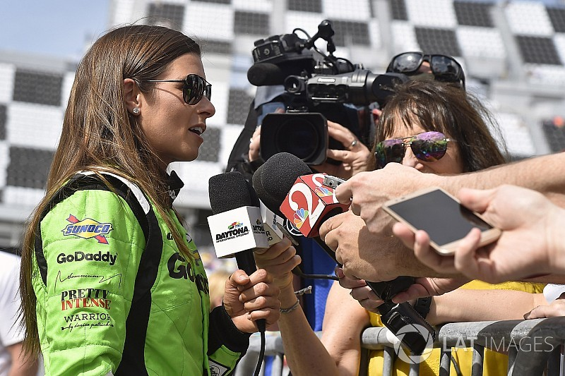 Danica Patrick se despedirá de Indy 500 corriendo para Ed Carpenter Racing