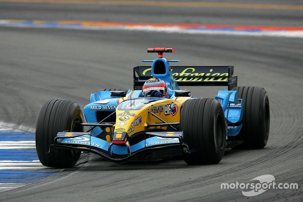 Alonso torna alla guida della Renault R25 ad Abu Dhabi