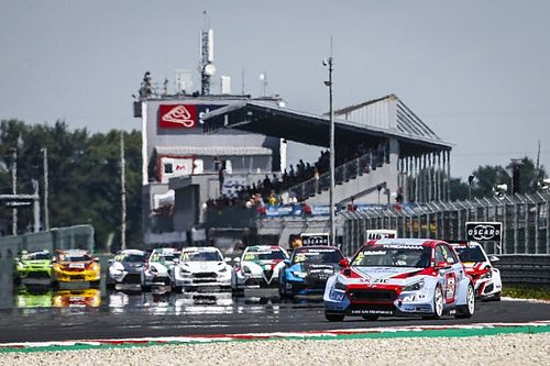 "Huff urges BoP fixes after ""terrible"" Slovakia WTCR weekend"