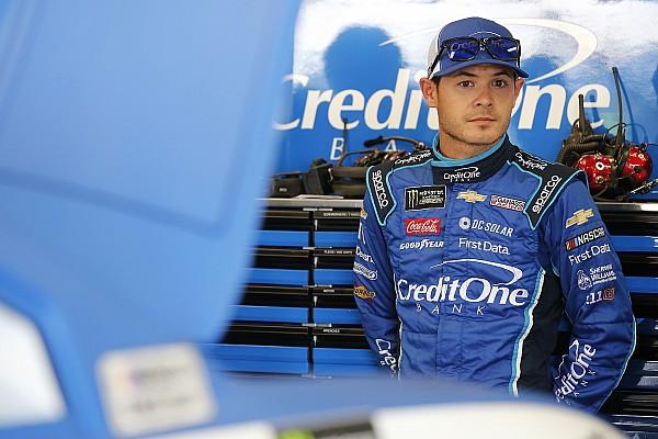 NASCAR Cup Breaking news Trackbar issues rob Kyle Larson of shot at Kentucky win
