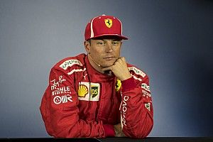 """Räikkönen, sorriso amaro: """"Con Hamilton ho sbagliato, peccato perché la Ferrari era forte"""""""