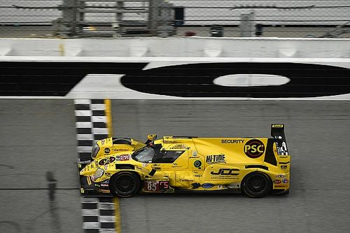 Mixed success for Canadians in Daytona
