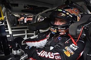 """Clint Bowyer knew he was """"in trouble"""" while leading at Dover"""