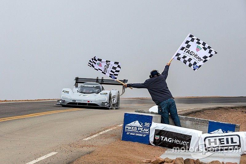 Volkswagen targetkan rekor Goodwood dengan mobil listrik