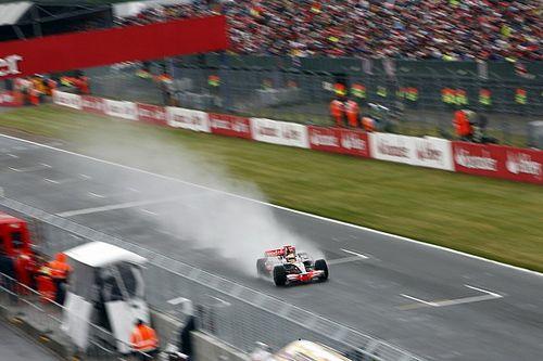 Kijktip van de dag: Masterclass Hamilton op nat Silverstone
