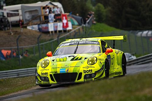 Nurburgring 24h: Porsche in command after six hours