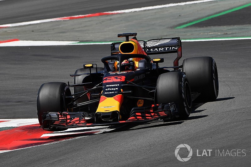 Verstappen snelste tijdens eerste in-season testdag in Barcelona