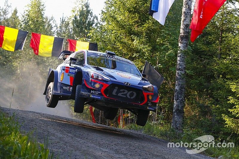 Neuville closing on new Hyundai WRC contract