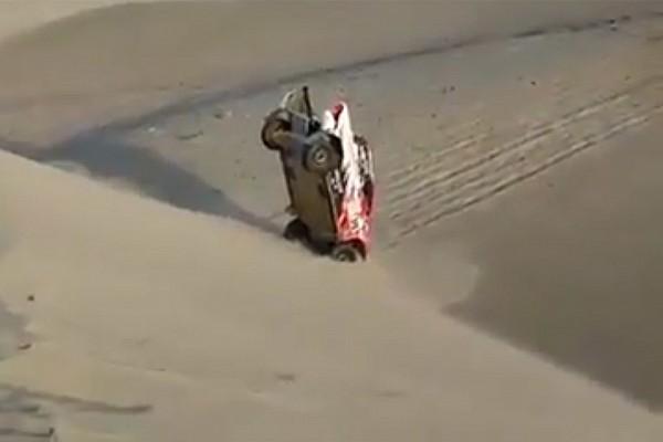 Самый нелепый момент «Дакара»: Toyota уткнулась в песок