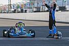 IndyCar Hijo de Dan Wheldon homenajea a su padre en Indianápolis