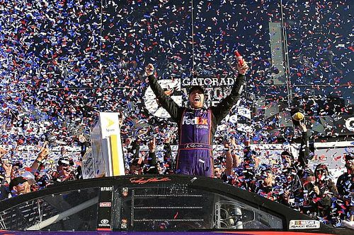 Denny Hamlin wins first Daytona 500 in spectacular photo finish