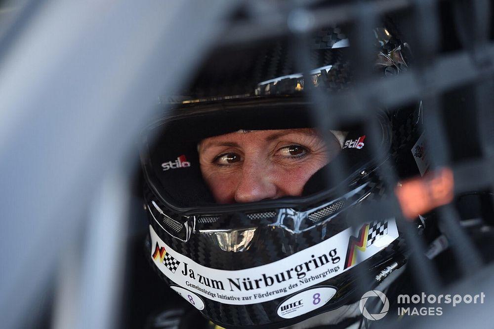 """Tragikus hirtelenséggel elhunyt a """"Nürburgring királynője"""""""