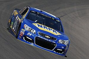 Chase Elliott wins Stage 2 at Phoenix as penalty costs Logano
