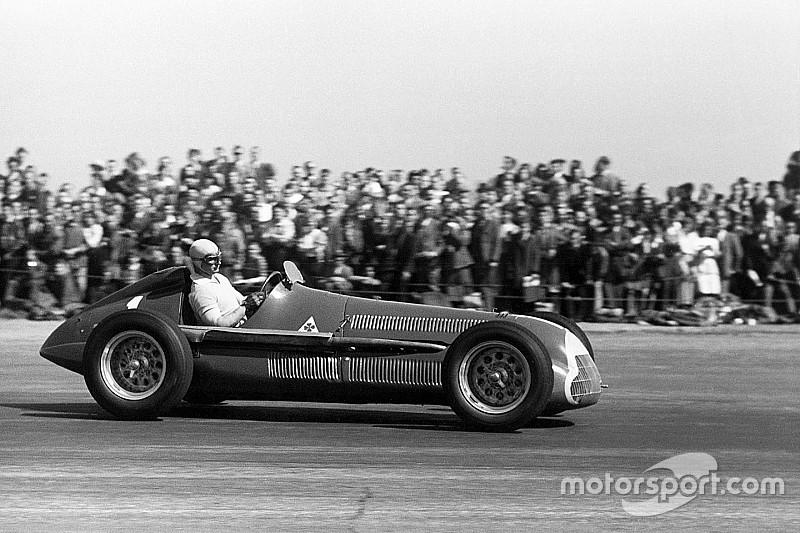 Video: 1950'den bu yana F1 araçlarının gelişimi