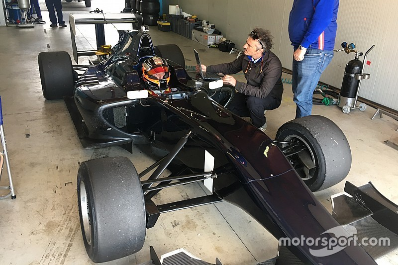 Kubica makes single-seater return in private GP3 test