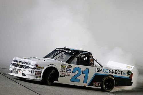 Johnny Sauter takes Chicagoland Truck win as playoff grid is set