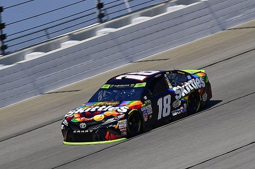 Kyle Busch dominates Stage 1, title rivals hit with speeding penalties