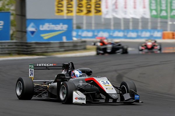 Hughes sorprende e coglie la pole per Gara 1 al Norisring
