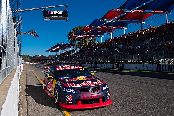 Supercars Clipsal 500: Kalahkan McLaughlin, van Gisbergen kembali juara