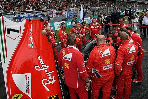 В Ferrari признали схожесть проблем на машинах Райкконена и Феттеля