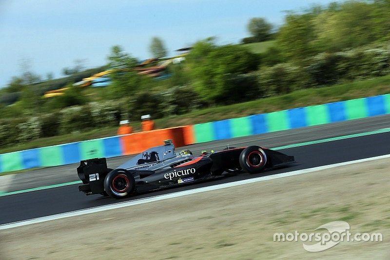 فورمولا 3.5: شيكوتو يرِث الفوز في السباق الأول عقب أخطاء منافسيه