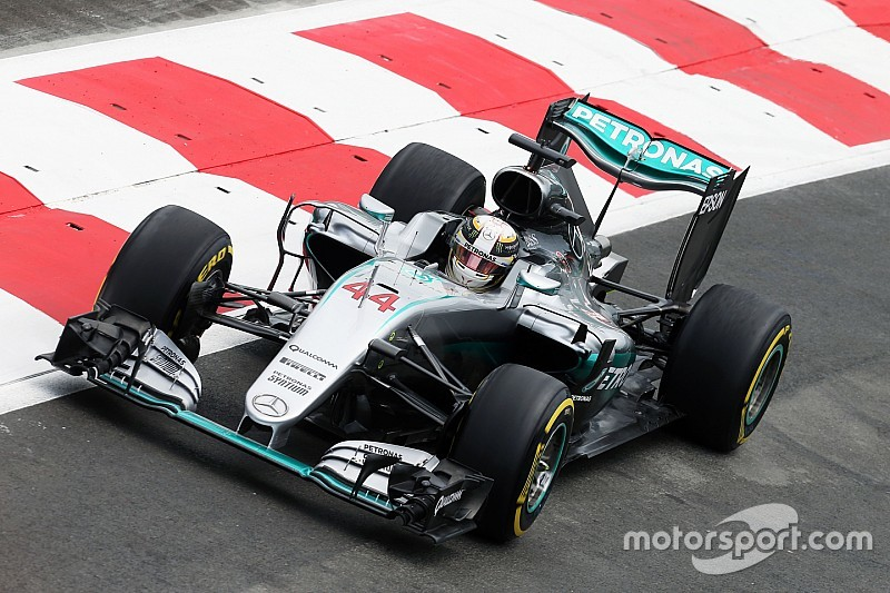Mercedes: High speeds and high drama on opening day in Baku