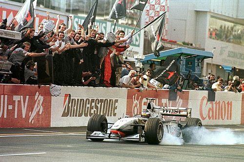Photos - Toutes les victoires de Häkkinen en F1