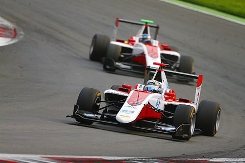 Silverstone GP3: Albon tops qualifying in mixed conditions