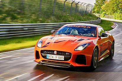Dit is 'm dan: de Jaguar F-Type SVR Nürburgring Taxi