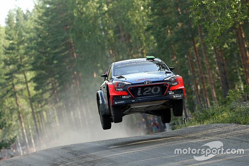 Hyundai Motorsport drivers in fierce fight for fourth in Finland