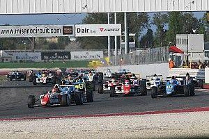 Шумахер не попал на подиум в главном заезде в Мизано