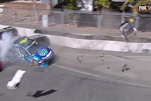 Новачок Supercars влаштував аварію на першому етапі сезону