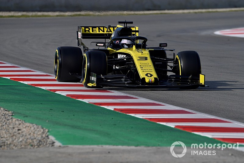 "Ricciardo: Renault ""in the ballpark"" on long runs"