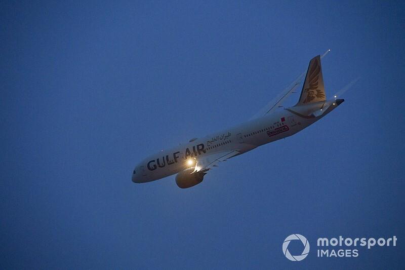 Формула 1 наймет частный самолет для сотрудников перед ГП Бахрейна