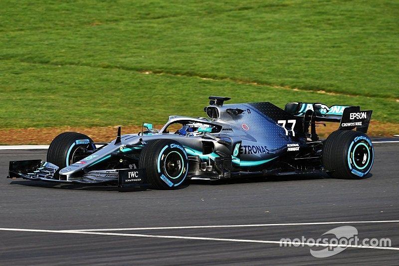 Mercedes вывела машину 2019 года на трассу: первые фото