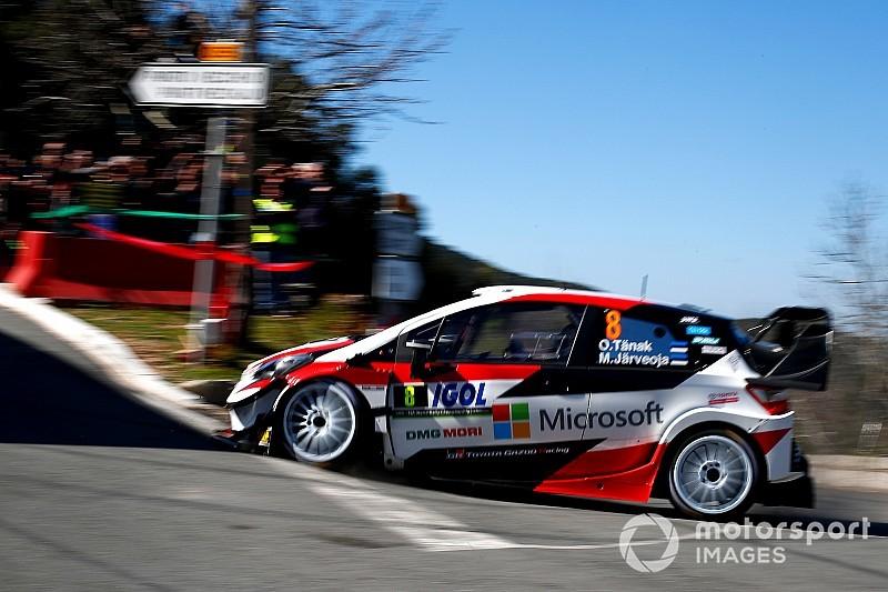 Problemas para Loeb y liderato para Tanak en el inicio del Rally de Córcega
